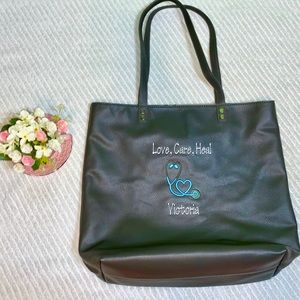 💉THIRTY ONE AROUND TOWN TOTE LOVE, CARE, HEAL💉
